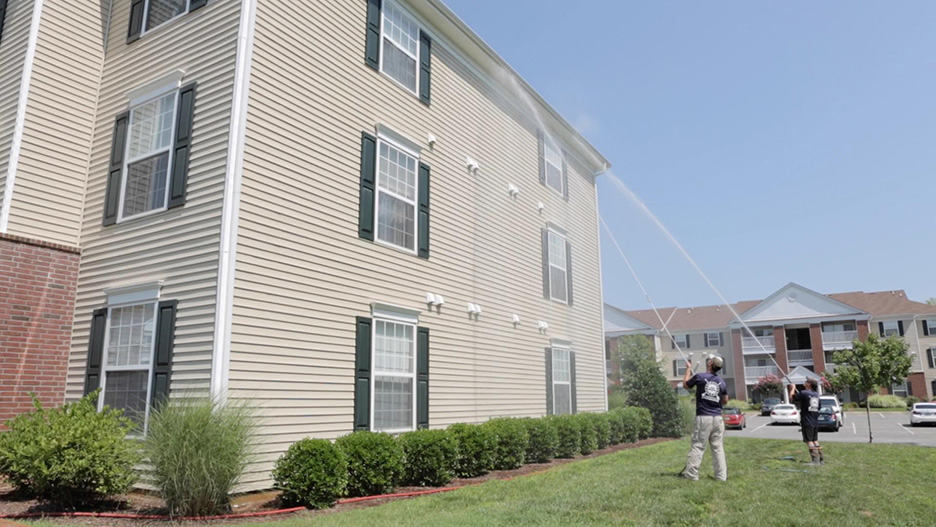 apartment pressure washing outside panel