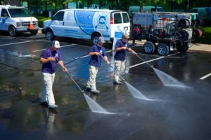Shopping center pressure washing in Nashville